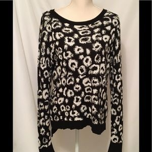 Kensie Animal Print Pullover Sweater Size Large